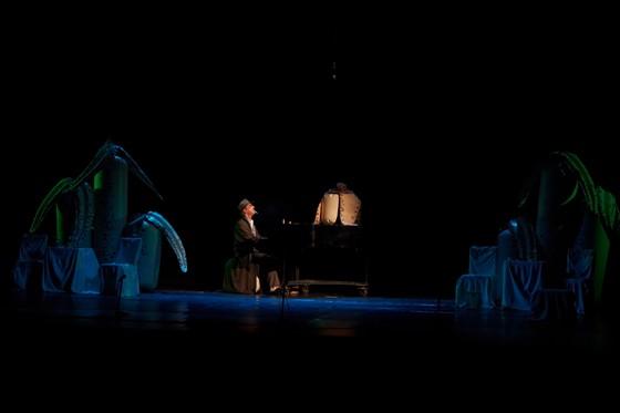 muzika-v-spektakle-intimnaya-zhizn