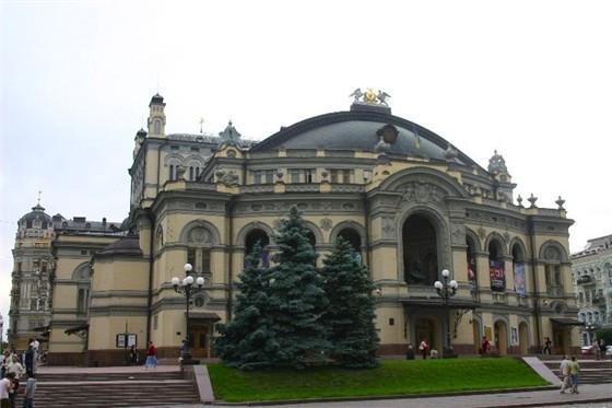 послушать украинскую оперу